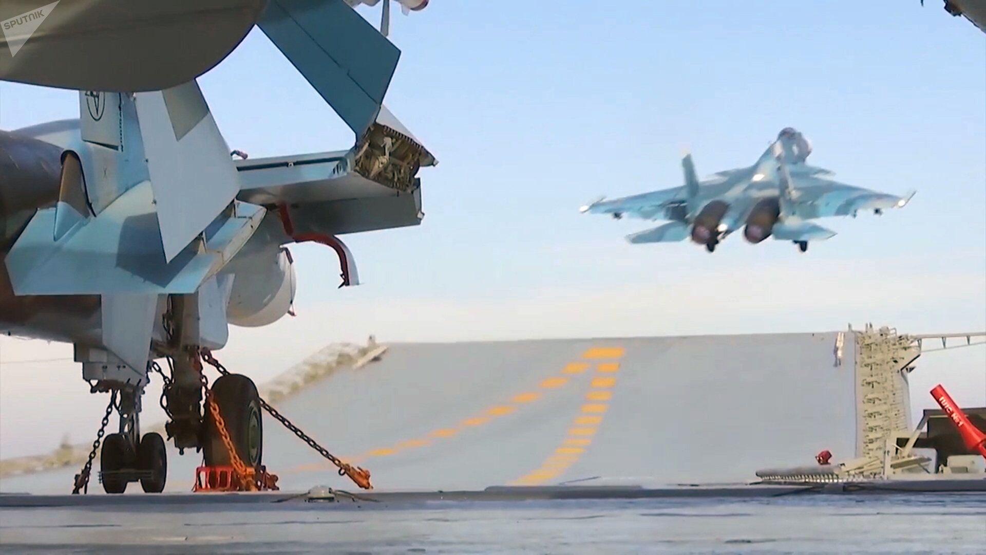 Боевая работа авиации ТАВКР Адмирал Кузнецов в Средиземном море у берегов Сирии - Sputnik Армения, 1920, 27.09.2021